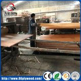 4X8家具の等級のポプラのコアマツベニヤによって薄板にされるマツ合板