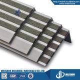 頑丈な屋外の具体的な金属階段Nosing&Nbsp;