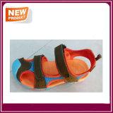 Chaussures neuves de santal de type de mode pour des gosses