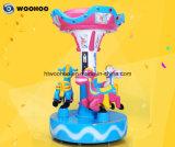Whirligig coloré de manège de cour de jeu d'intérieur à jetons de machine