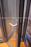 Interiore esterno di vetratura doppia chePiega un portello scorrevole dei 5 comitati