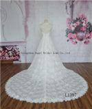 Spezielles Muster-abnehmbares Serien-Brücke-Hülsen-Hochzeits-Kleid