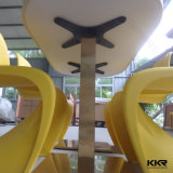 Kingkonreeの固体表面4のSeatersの石造りの上のダイニングテーブル