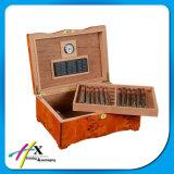 Фабрика поставляет коробку сигары