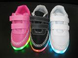 Большое сбывание Dicount горячее ягнится USB поручая ботинки СИД светлые