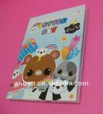 Выбивая бумажные карточки с бумагой мягкого касания для дня рождения