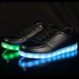 Ботинки PU оптовых взрослых фабрики кожаный с ботинками СИД светлыми идущими