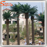 Albero artificiale artificiale dell'interno della palma da datteri della palma grande