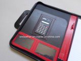 L'abitudine tratta il portafoglio di cuoio A4 con il calcolatore