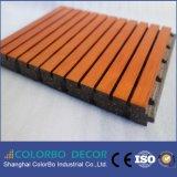 純粋で自然な正方形の木の材木の音響の天井のボード