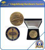 浮彫りにされた顧客用旧式な硬貨
