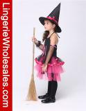 Meninas pretas e traje da bruxa do vestido extravagante de cor-de-rosa quente