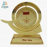 カスタム供給の卸売の記念品の金属の金はトロフィを記念する