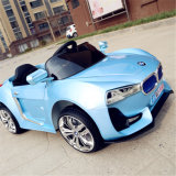 Kind-elektrisches Auto, elektrische Fahrt auf Auto, scherzt Auto