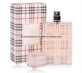 Frauen parfümieren mit Nizza Geruch