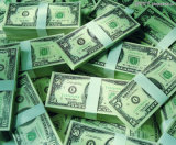 Dinero del uso del banco que ata con cinta de papel