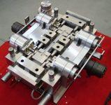 Nieuwe Technologie voor de Nauwkeurige Vorm van de Montage van de Vorm \ van de Injectie van de Montage van de Pijp van pvc