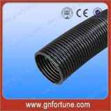 Tubo flexível cinzento do polietileno