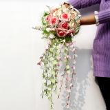 La decoración de la boda con Flowers01 artificial