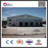 El colmo consolida el hangar de la estructura de acero con la puerta industrial