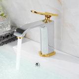 Robinet mélangeur d'eau de lavabo de nouvelle conception