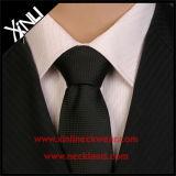 O fio tingiu o laço tecido seda da camisa de 100% para homens