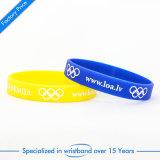 Wristband all'ingrosso su ordinazione del silicone di alta qualità per attività