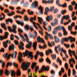 Het nieuwe Vrijgegeven Geïmiteerdek Leer van Pu met het Kleurrijke Patroon van de Luipaard