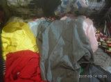Gracer verkoopt Kleding van het Stof van de Opslag van het Recycling van het Pakhuis de In balen verpakte Goede Rang Gebruikte Laag