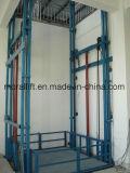 Ascenseur à accélérateur hydraulique pour levage de cargaison