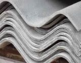 De veelkleurige en Hoogstaande Tegels van het Dak van het Cement