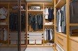 Wardrobe Walk-in do armário do quarto da grão de madeira luxuosa moderna