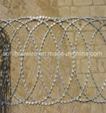 平らな包まれたかみそりのコイル、平らなかみそりの鉄条網、かみそりワイヤー平らなコイルまたはアコーディオン式の有刺鉄線