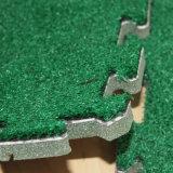 テニスのインストール草の分割された共同草