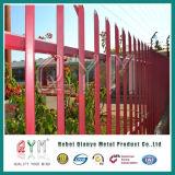 Palissade enduite de PVC clôturant la frontière de sécurité de fer travaillé avec le fil de rasoir