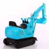 Езда малышей на автомобиле игрушки, миниой электрической землечерпалке