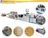 Kurbelgehäuse-Belüftung Ziegelstein-Muster Seitenkonsole-Plastikproduktions-Strangpresßling, der Maschinerie Zeile bildet