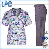 수의사 살롱은 의학 치과 치료 전문가 헬스케어 여자 간호원 작업복을 인쇄했다