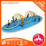 Vergnügungspark-Kinder, die Spielplatz-Sport-Gerät klettern