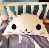 ليّنة يحشى قطيفة حيوانيّ وسادة لأنّ طفلة قطيفة لعب