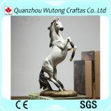 Estatua de encargo afortunada del caballo blanco de la cabina europea de Stylewine