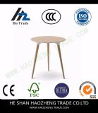 I nuovi piedi di plastica di legno solido della superficie superiore del tavolino da salotto - bianco nero