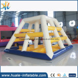 Diapositiva de agua flotante de la pirámide inflable popular para el adulto