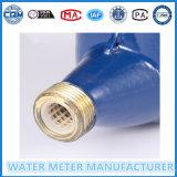 Medidor de agua con accesorios de latón