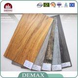 高品質の優秀な安定性PVCビニールのフロアーリング