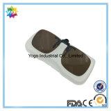 Clip de mode de qualité sur des lunettes de soleil