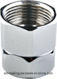 Montaggio d'ottone del colpetto con il bicromato di potassio