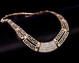 方法宝石類の一定のダイヤモンド18kの金によってめっきされるブレスレットのネックレスのイヤリングのリング4 PCSの一定の宝石類