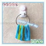 Anello di tovagliolo fissato al muro del hardware della stanza da bagno con la tazza di aspirazione