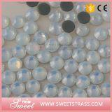 Kleine weiße OpalRinestone Raupen Menge-Verpackungmc-Bling Bling